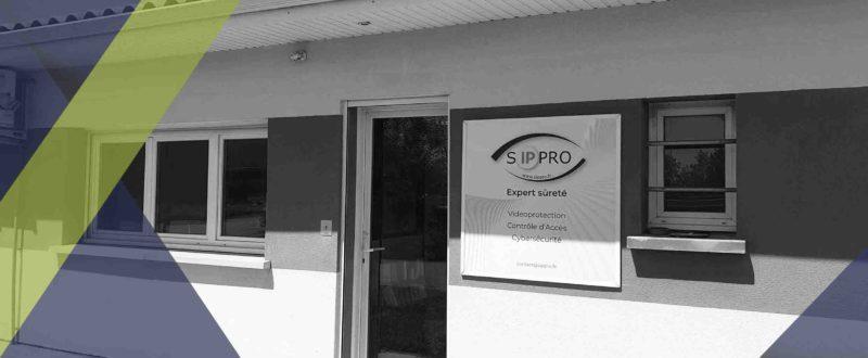 Devanture de l'agence SIPPRO à Bordeaux. SIPPRO SOLUTIONS IP PROTECTION ouvre une antenne à Saint jean d'Illac à côté de BORDEAUX.