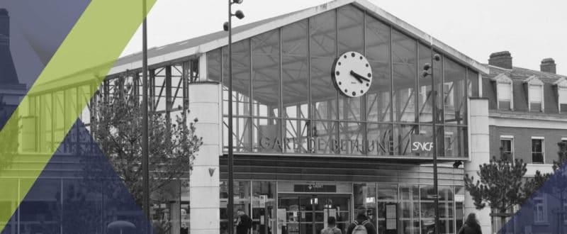 Le parvis Nord de la gare SNCF de Béthune dans le Pas de Calais est désormais équipée de nouvelles caméras de vidéoprotection distribuées par SIPPRO Solutions IP Protection distributeur francais de solutions de sûreté pour les professionnels basé à Montpellier Bordeaux et Paris.