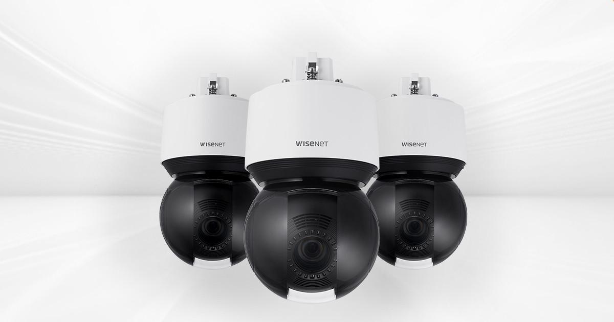 Visuel des Caméras Wisenet XNP-9250 XNP-8250 et XNP-6400, toutes trois issues de la gamme Wisenet X PTZ Plus de chez Hanwha Techwin Europe et distribuées par Sippro Solutions IP Protection